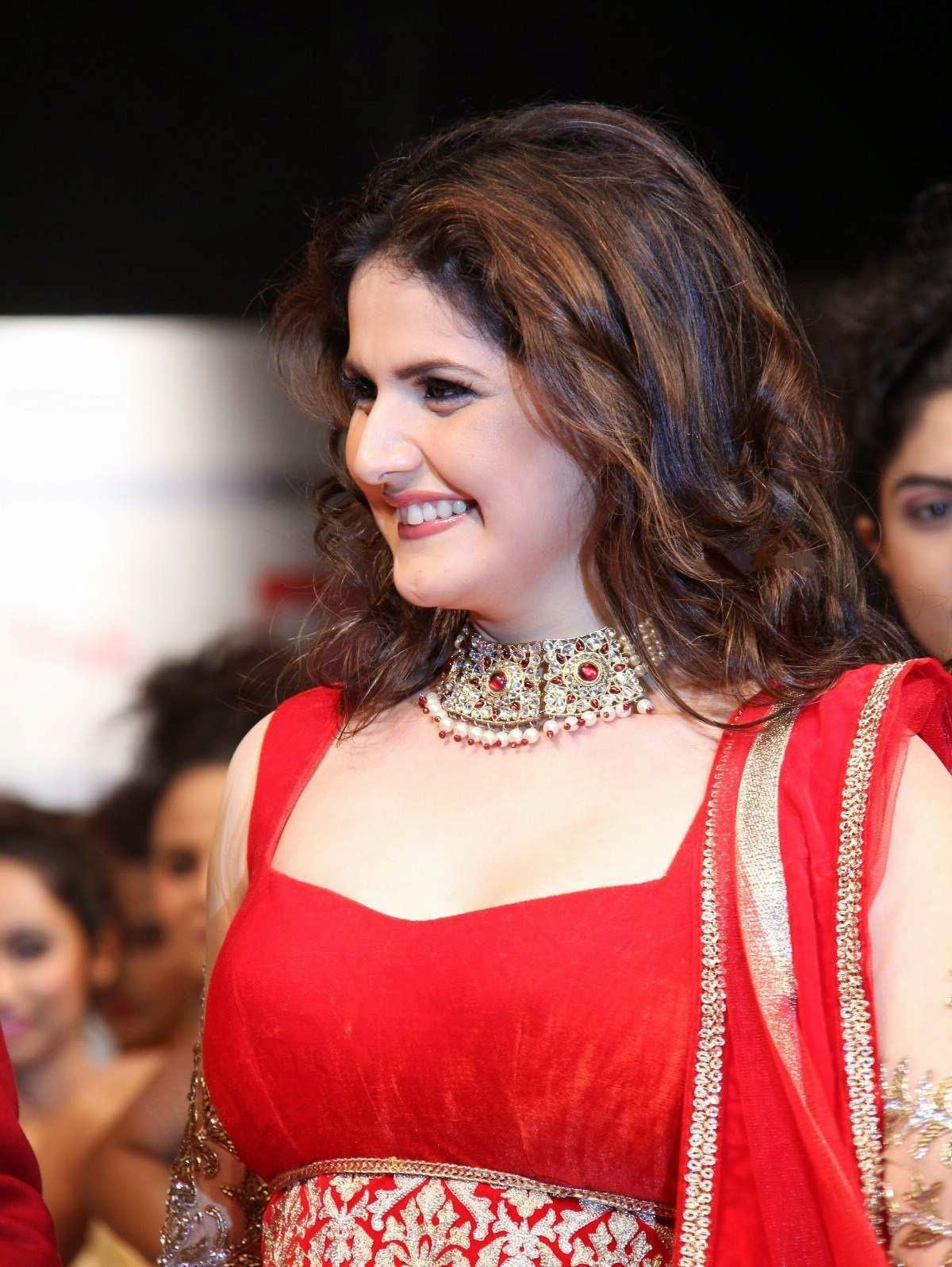 Zarine Khan Hot Actress Zarine Khan Ra...