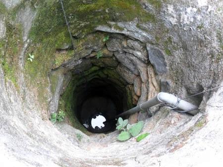Thực hư chuyện kì lạ về 'giếng Thạch Sanh' trên đảo Lý Sơn