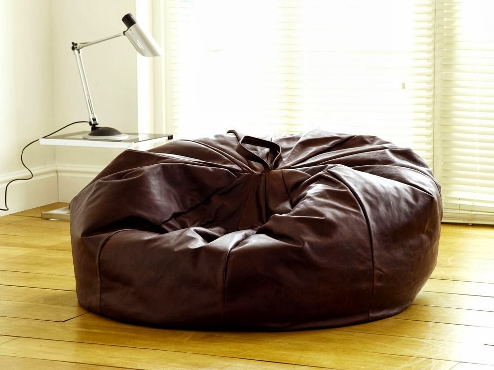 un pouf cuir est l 39 alternative parfaite aux pr sidents de jeu co teux pouf ext rieur. Black Bedroom Furniture Sets. Home Design Ideas
