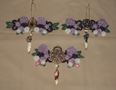 Doilies and jewelry ornaments 1