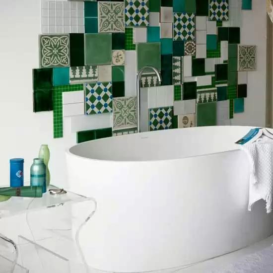 Decoracion Baños Tina:Este baño usa el sistema de tina de los año 1920 Ocupa tina profunda