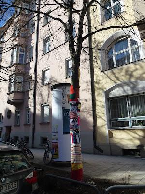 Streetart, Graffiti, Urbanart, Guerilla Knitting