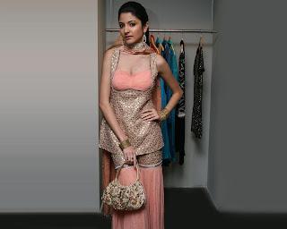 Anushka sharma 34 b bra size