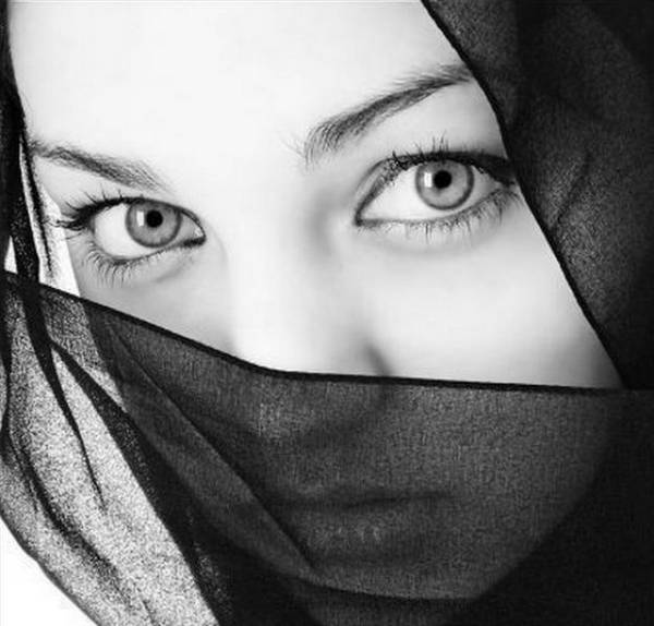 Strange Facts Most Beautiful Eyes Of The World