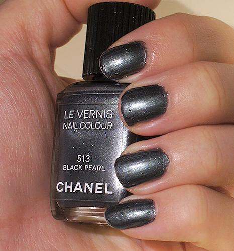 NOTD: Chanel 513 Black Pearl