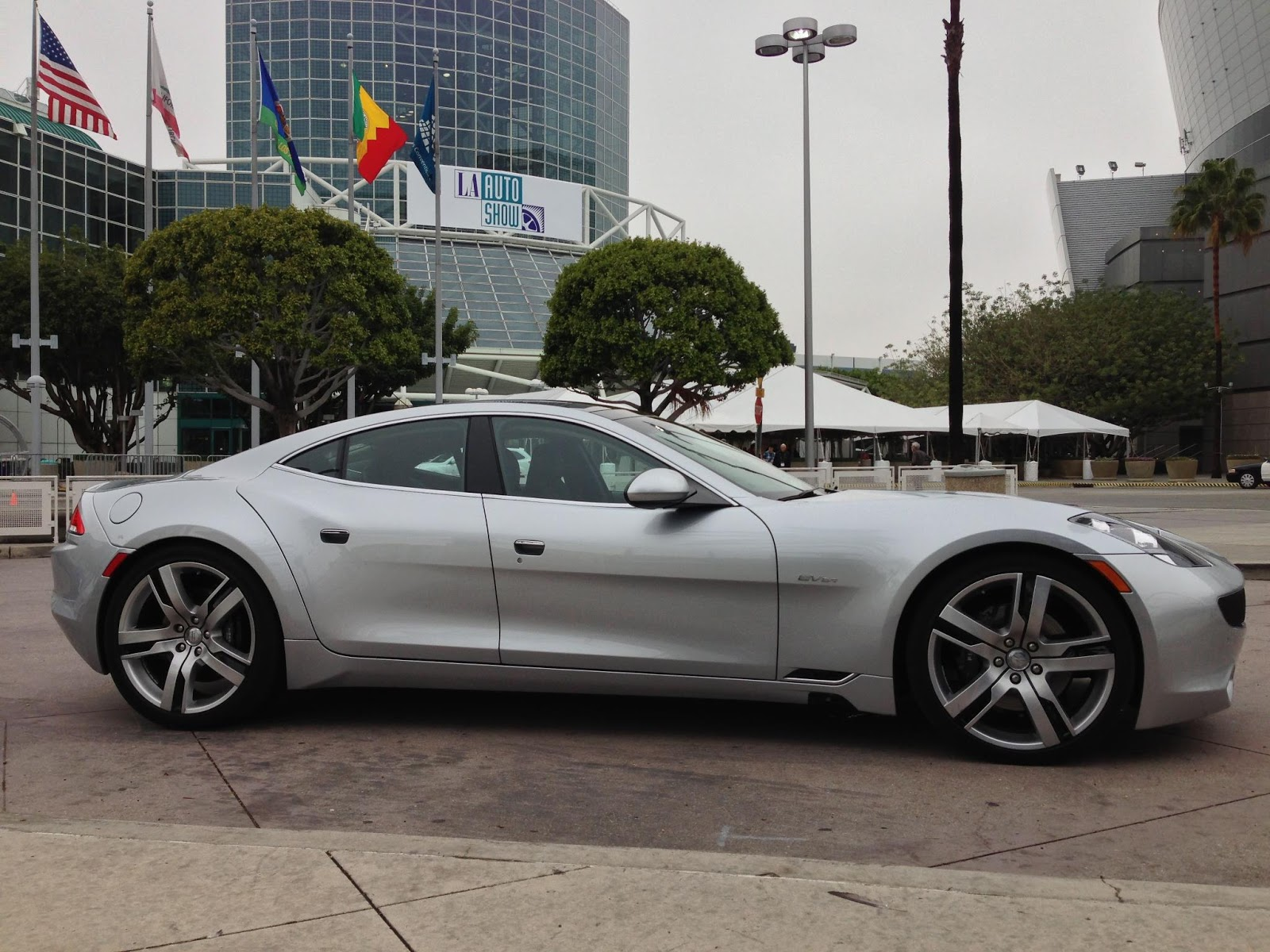 tesla et fisker augmentation des prix pour l 39 un production stopp e pour l 39 autre. Black Bedroom Furniture Sets. Home Design Ideas