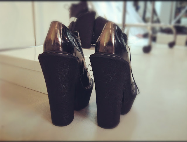 Very High Heel Shoes CORRADO DE BIASE FALL-WINTER 2012/13 BACKSTAGE PARIS FASHION WEEK READY-TO-WEAR
