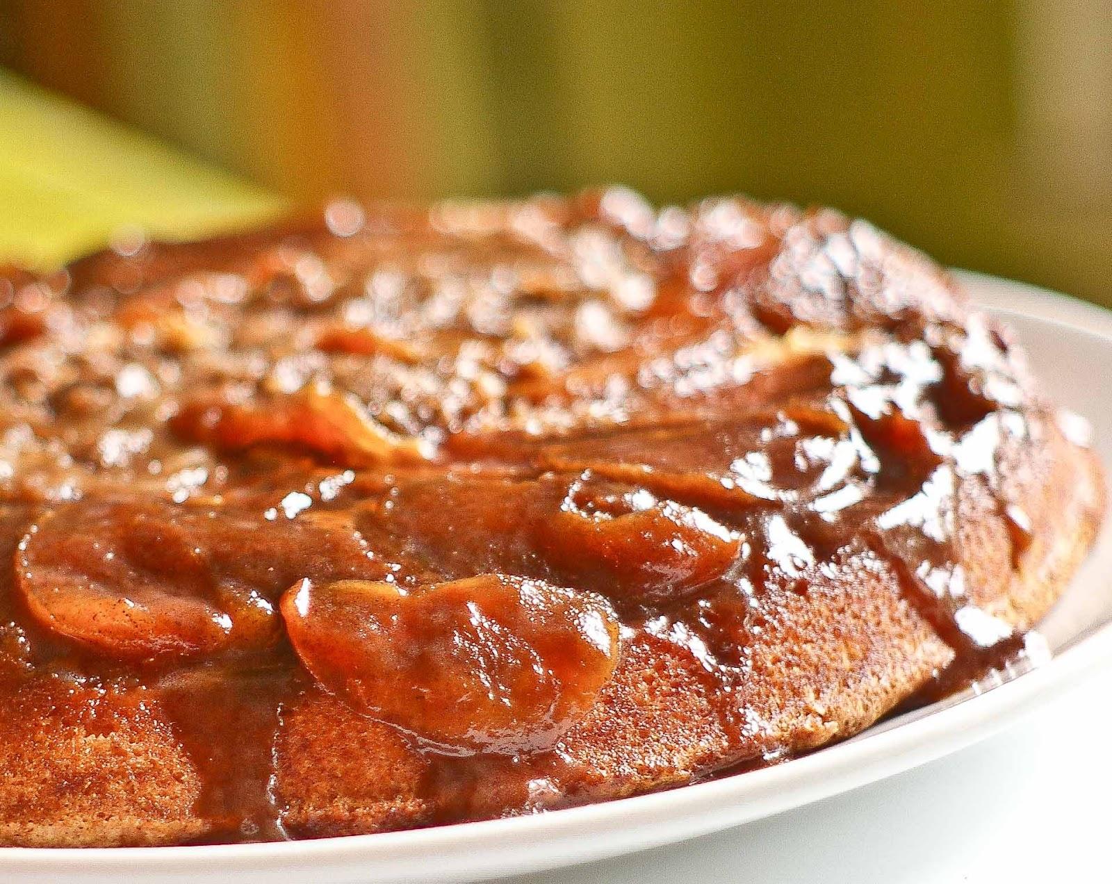 The Yum Yum Factor: Ooey Gooey Cinnamon Apple Upside Down Cake