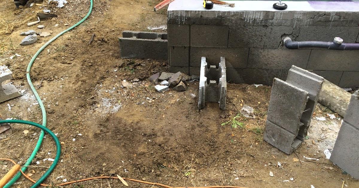 Dalle pour le local technique et escalier ext rieur for Construction d une piscine en beton