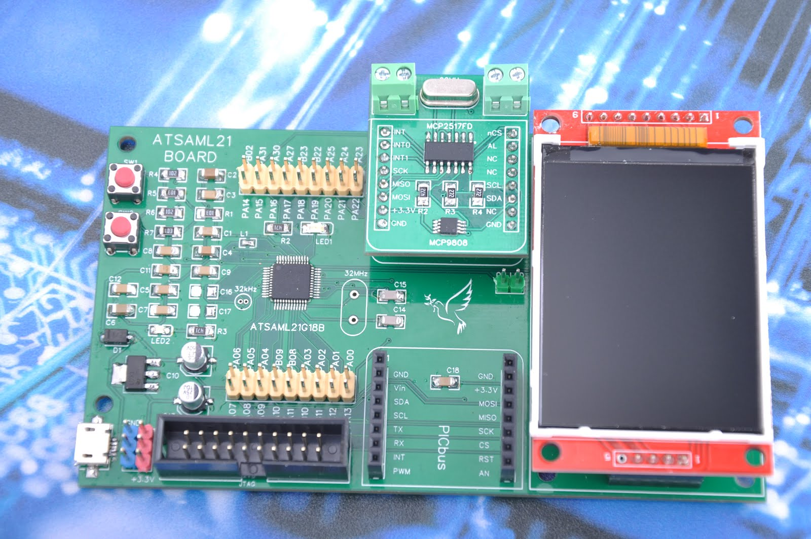 ATSAML21 - Low cost development Board