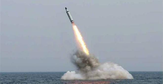 Οι Ρώσοι βομβάρδισαν με κρουζ από υποβρύχιο την Αλ Κάιντα στη Συρία