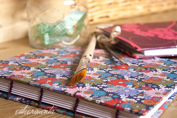 cuaderno con encuadernado copto, estherimenta