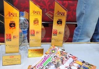 Emraan Hashmi honoured with 'Media Sports Trophy 2013