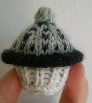 http://www.ravelry.com/patterns/library/dalek-cupcake
