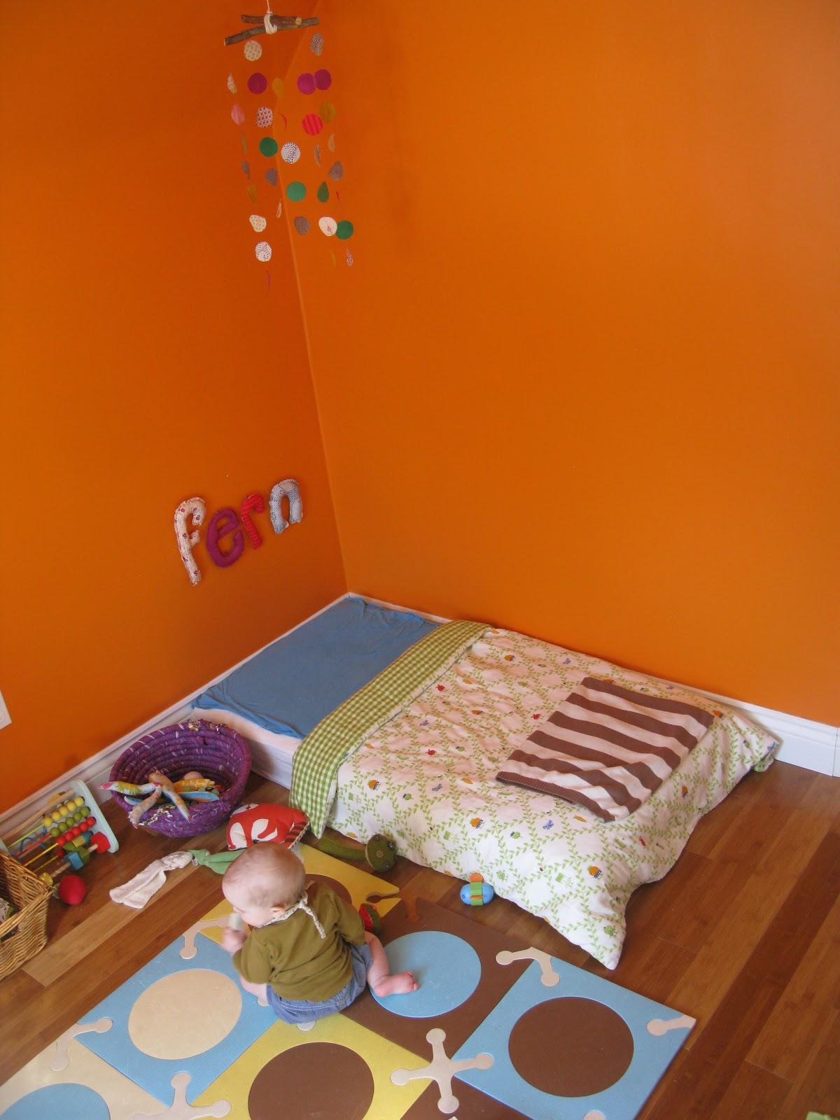 m a m a m i l i e u the montessori floor bed connecting space sleep play development. Black Bedroom Furniture Sets. Home Design Ideas