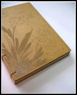 Cara membuat sampul buku unik dari kardus bekas