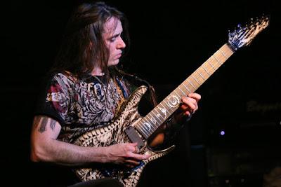 http://www.guitarcoast.com/2015/10/sequencias-de-arpejos-na-guitarra.html