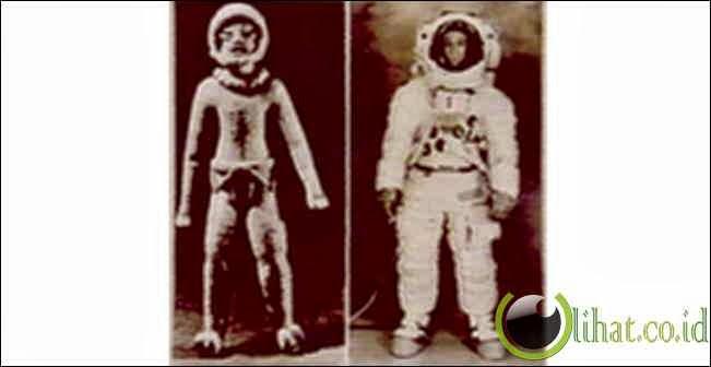 Patung Kuno Astronot Alien Ekuador