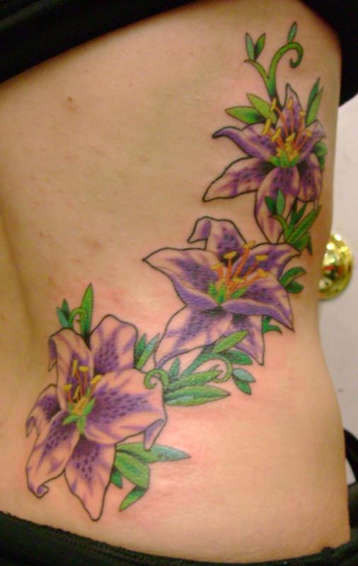 Flower rib tattoos for girls tedlillyfanclub for Flower side tattoo