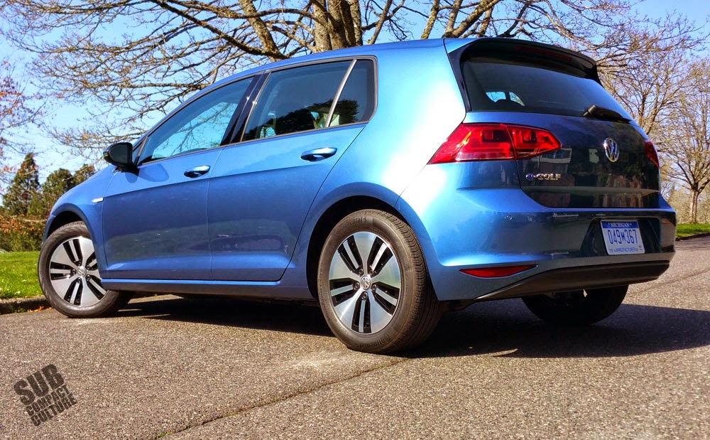 2015 Volkswagen e-Golf rear
