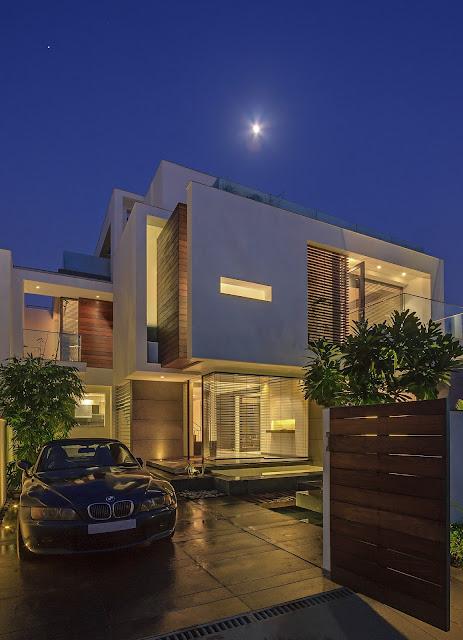 Rumah Overhang 10