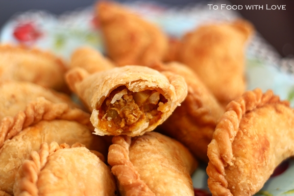 To Food with Love: Malaysian Deep-fried Curry Puffs