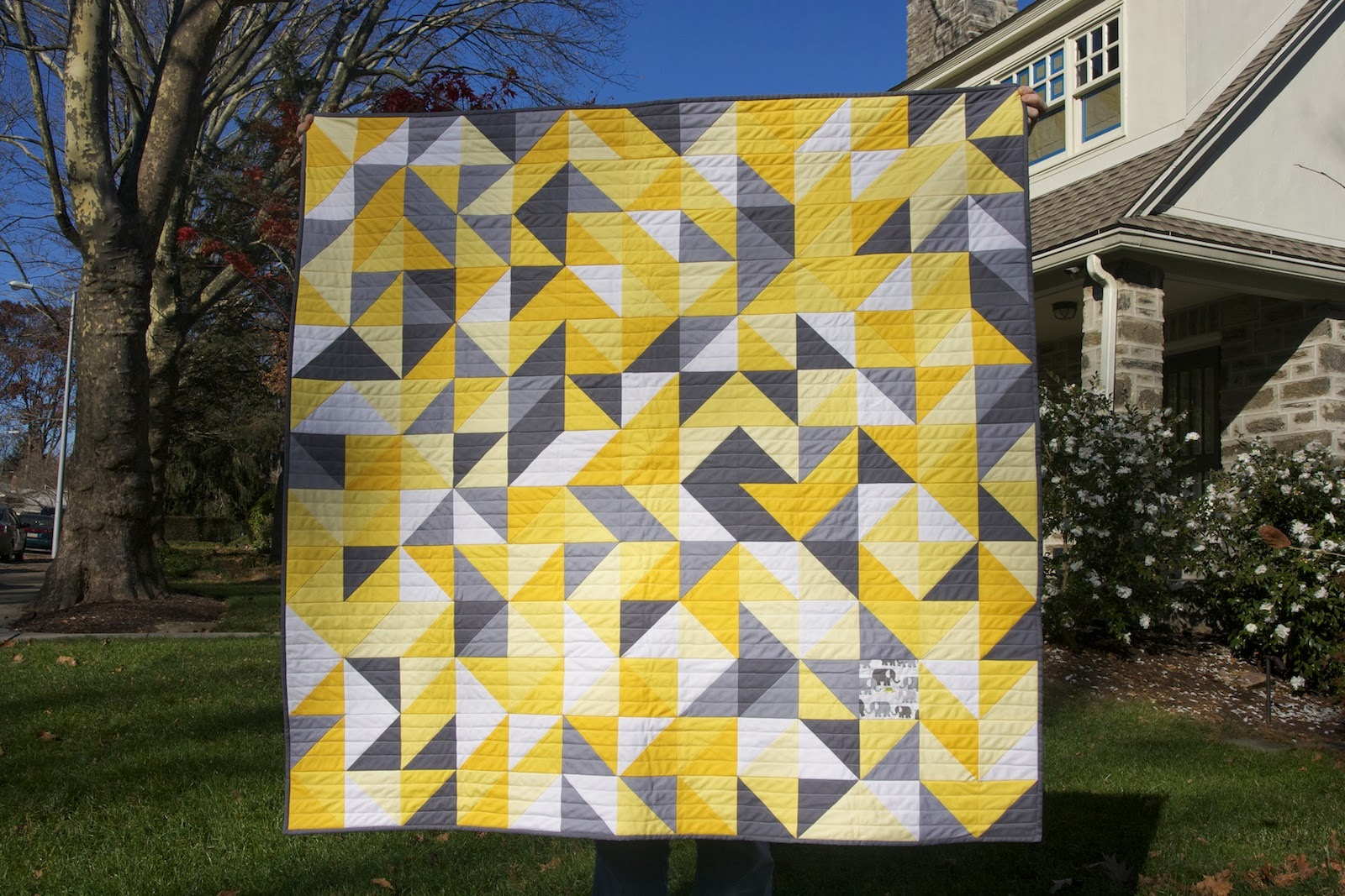 Momotaro Makes: Gray, Yellow, and White Baby Quilt : yellow and gray baby quilt - Adamdwight.com