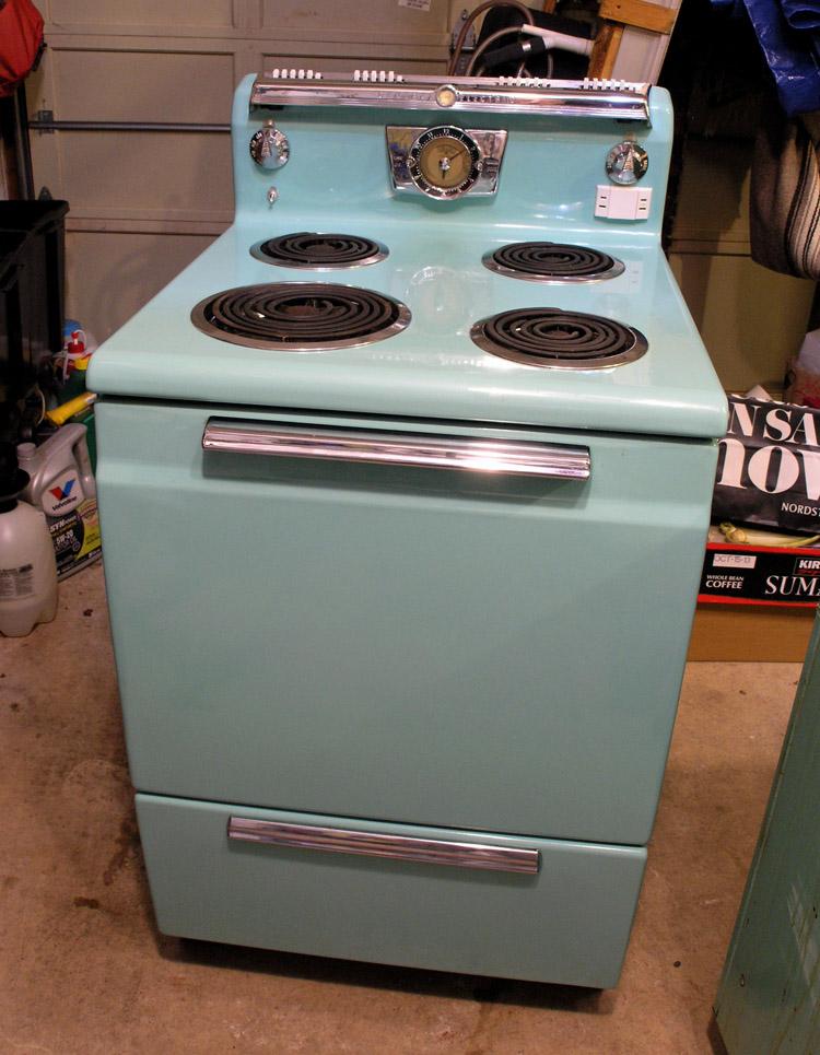 iceberg, goldberg, greenberg!: general electric turquoise kitchen