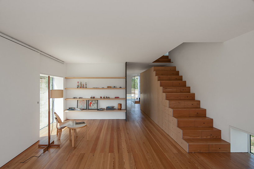 Minimalistic house in Portugal from Joao Mendes Ribeiro