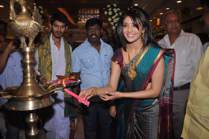 kajal agarwal in saree at chennai shopping mall launch photo gallery