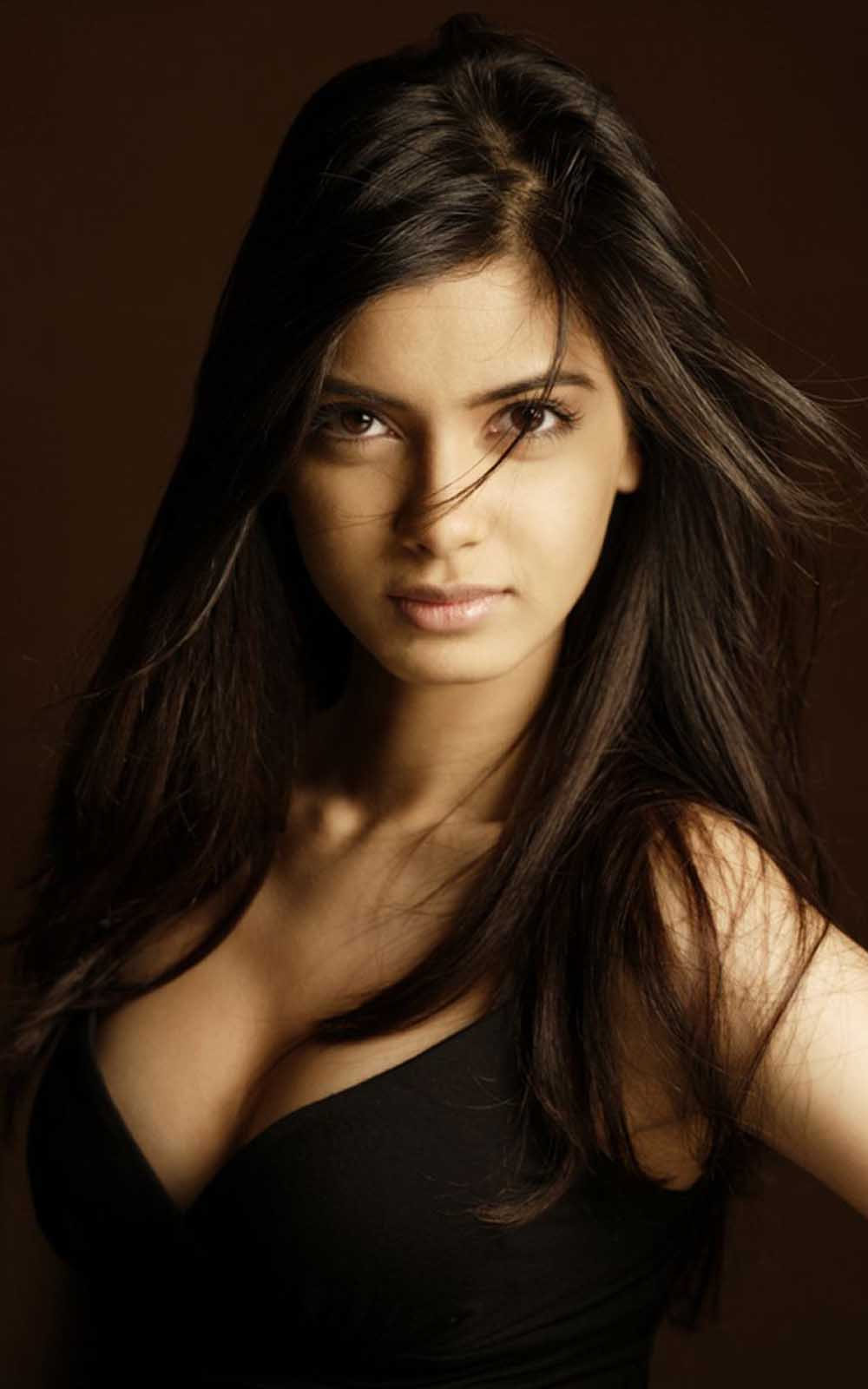 Diana Penty Hd Wallpapers High Definition Free