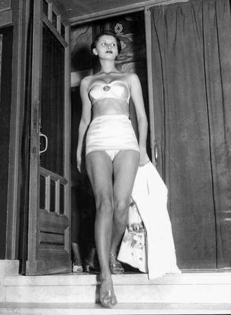 Sophia-Loren-at-the-Miss-Italy-contest-1950