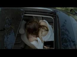 arabada öpüşme sahnesi,arabada seks izle,arabada porno izle