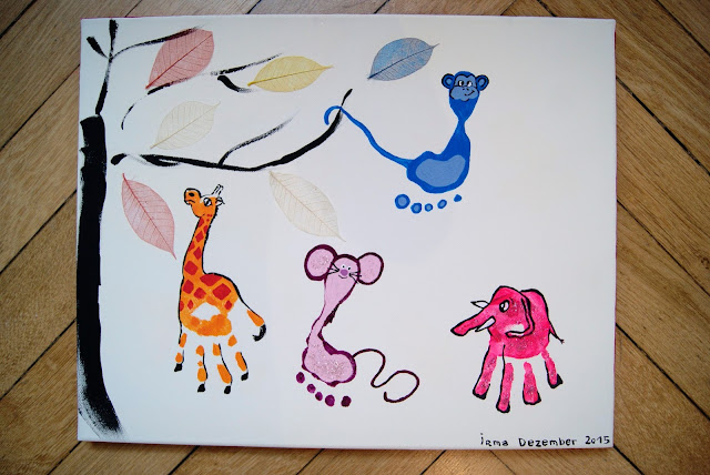 handprint footprint giraffe mouse elefant monkey