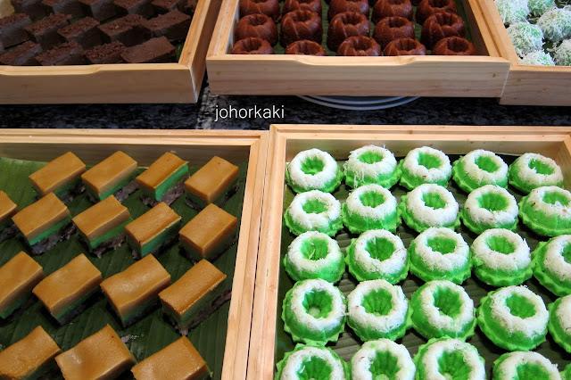 Ramadan-Buffet-Cafe-BLD -Renaissance-Johor-Bahru-Hotel)