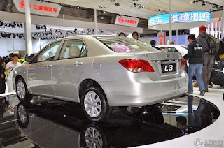 شكل خلى للسيارة BYD L3 2015
