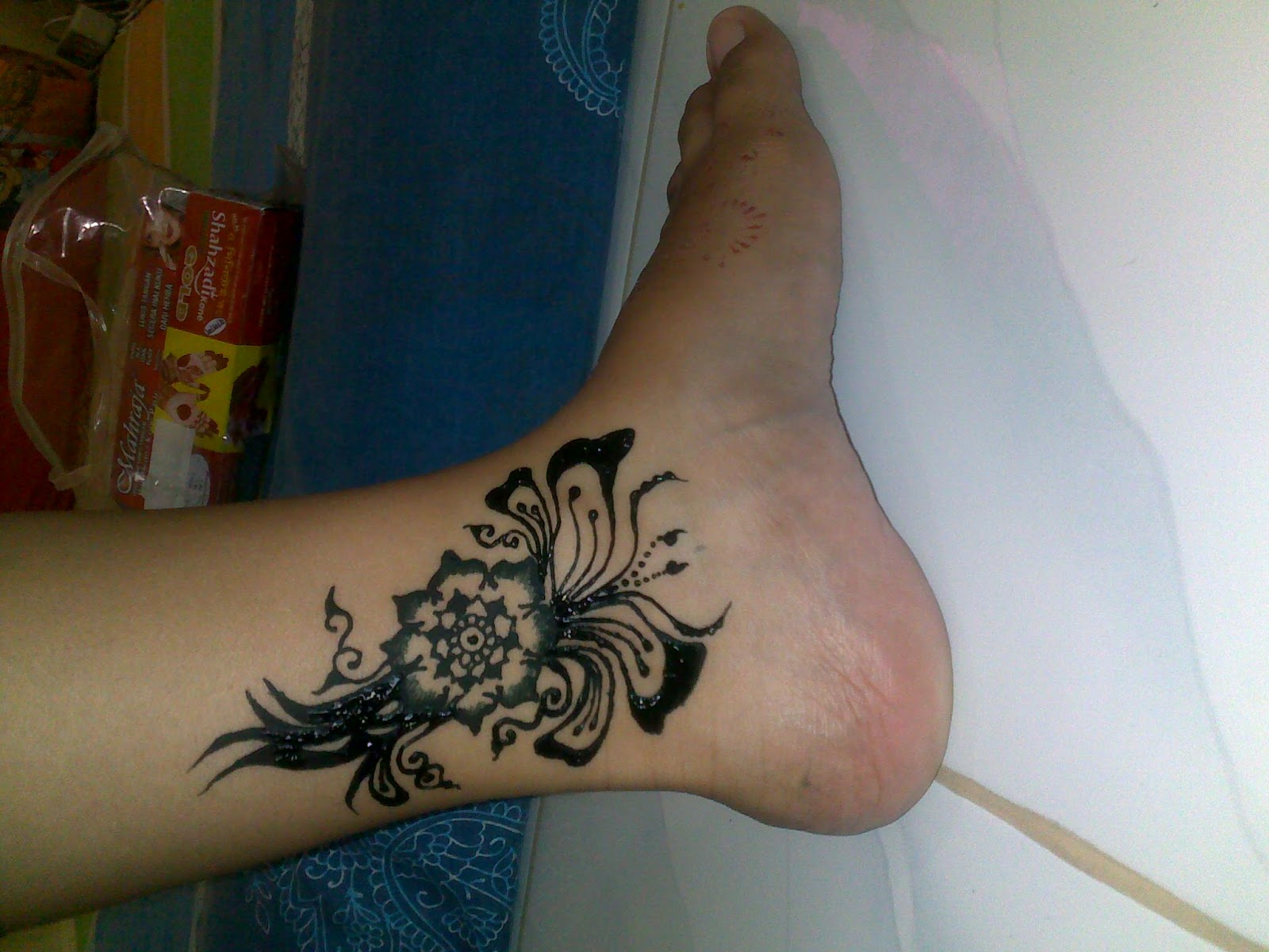NIDhya Henna Preview