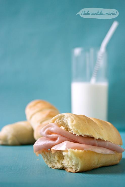 Receta de bollos de leche, perfectos para la merienda