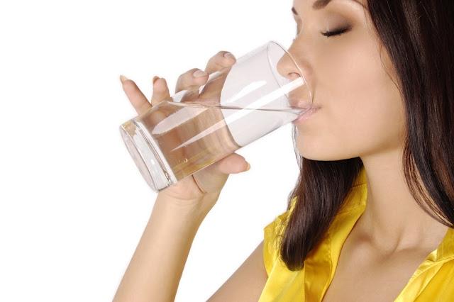 8 copos de água