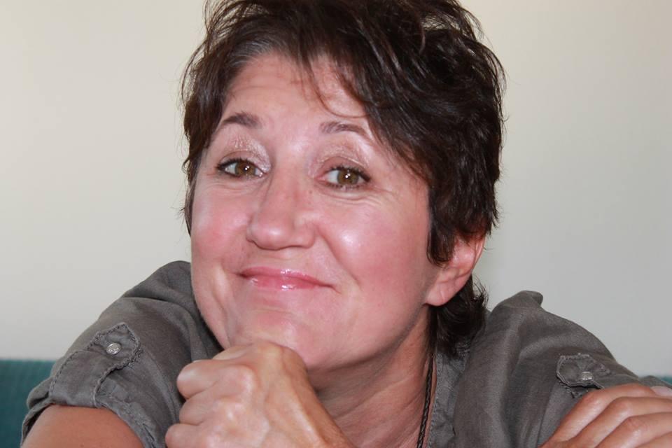 Doris Buhnar,        71272 Renningen         Tel: 0171-5503089
