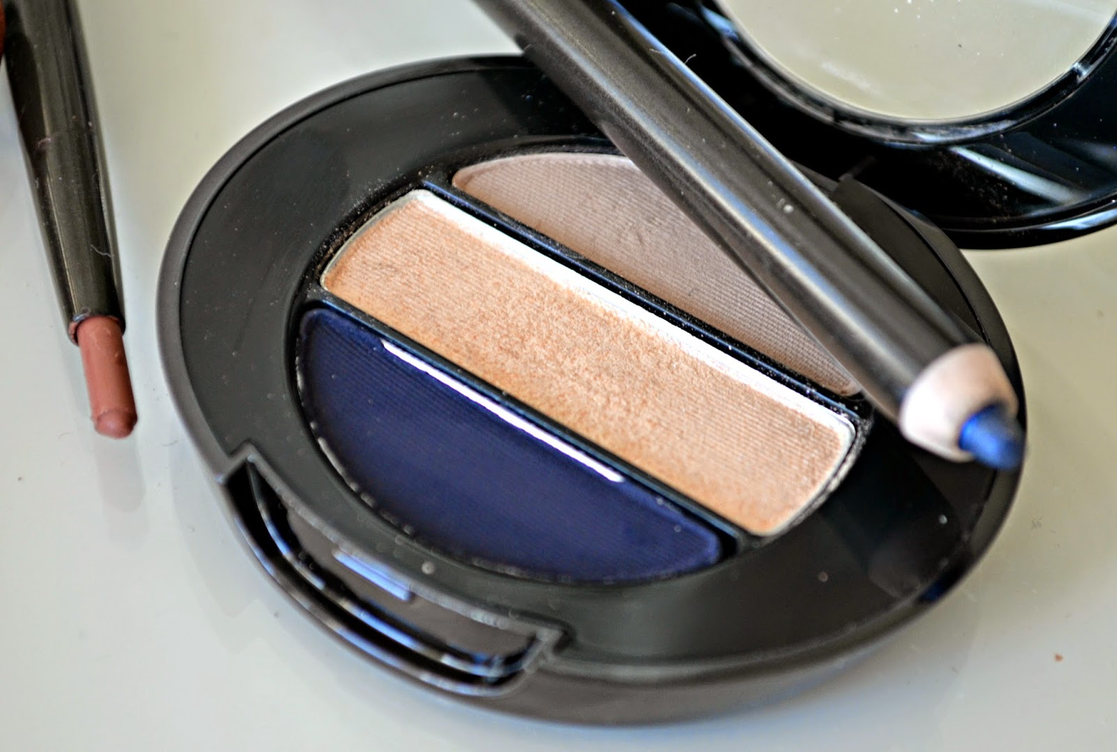 no 7 Stay Perfect Trio Eye Shadow Palette in In The Navy