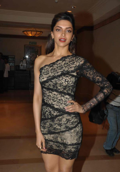 deepika padukone launch bollywood jollygood t-shirt line latest photos