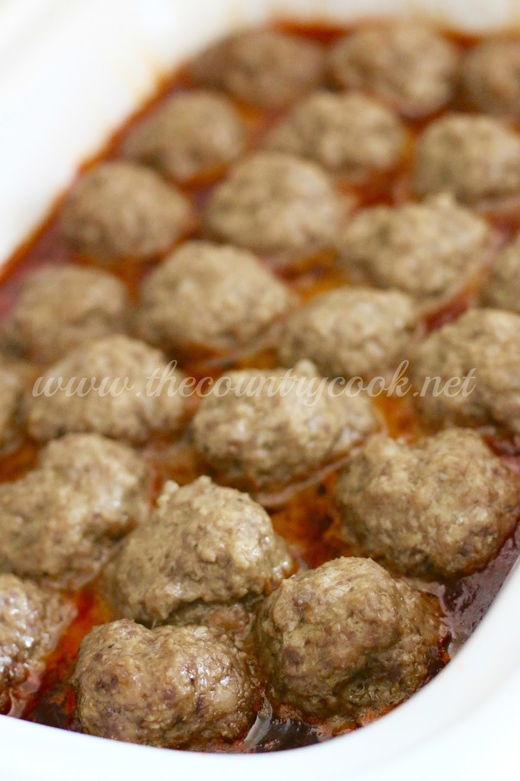 crock pot ultimate party meatballs the country cook. Black Bedroom Furniture Sets. Home Design Ideas