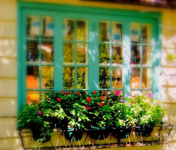 Khung cửa sổ (ảnh minh họa)