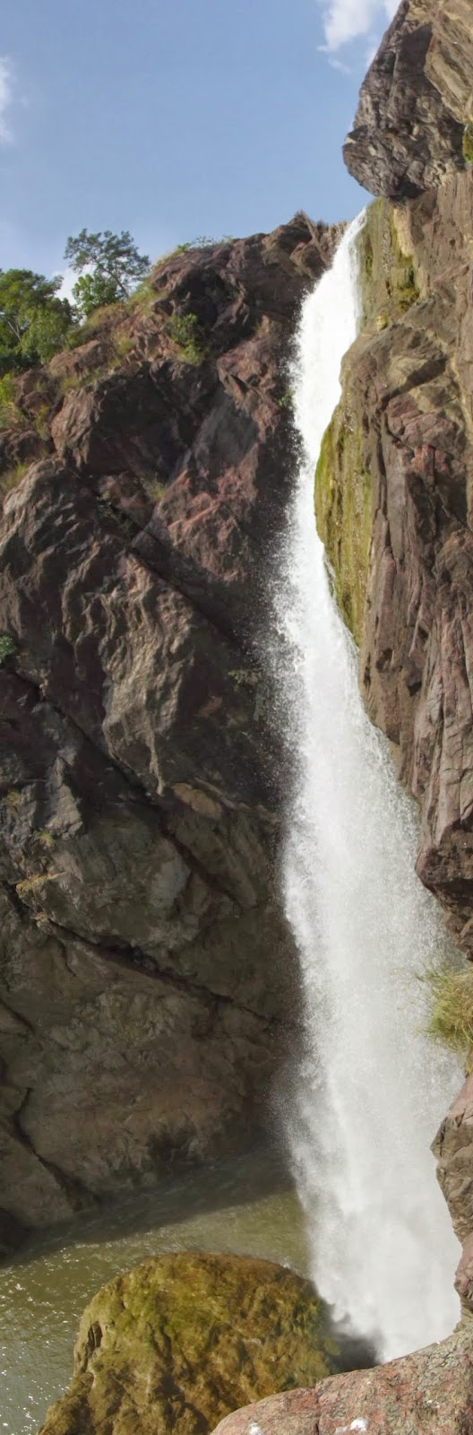 vertical panaroma view of Gayatri Waterfalls