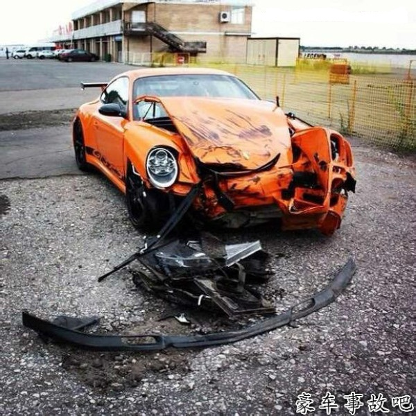 porsche-911-gt3-rs-accident.jpg