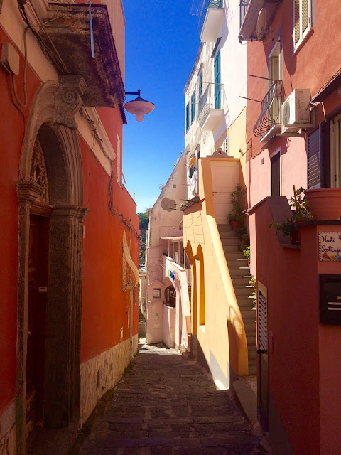 Procida-Pink-Streets