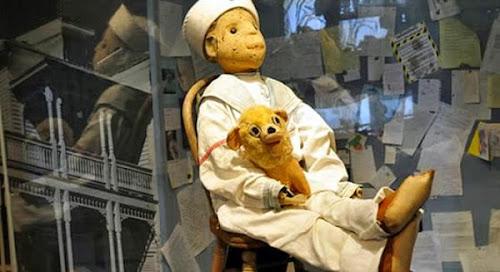 Robert o boneco amaldiçoado