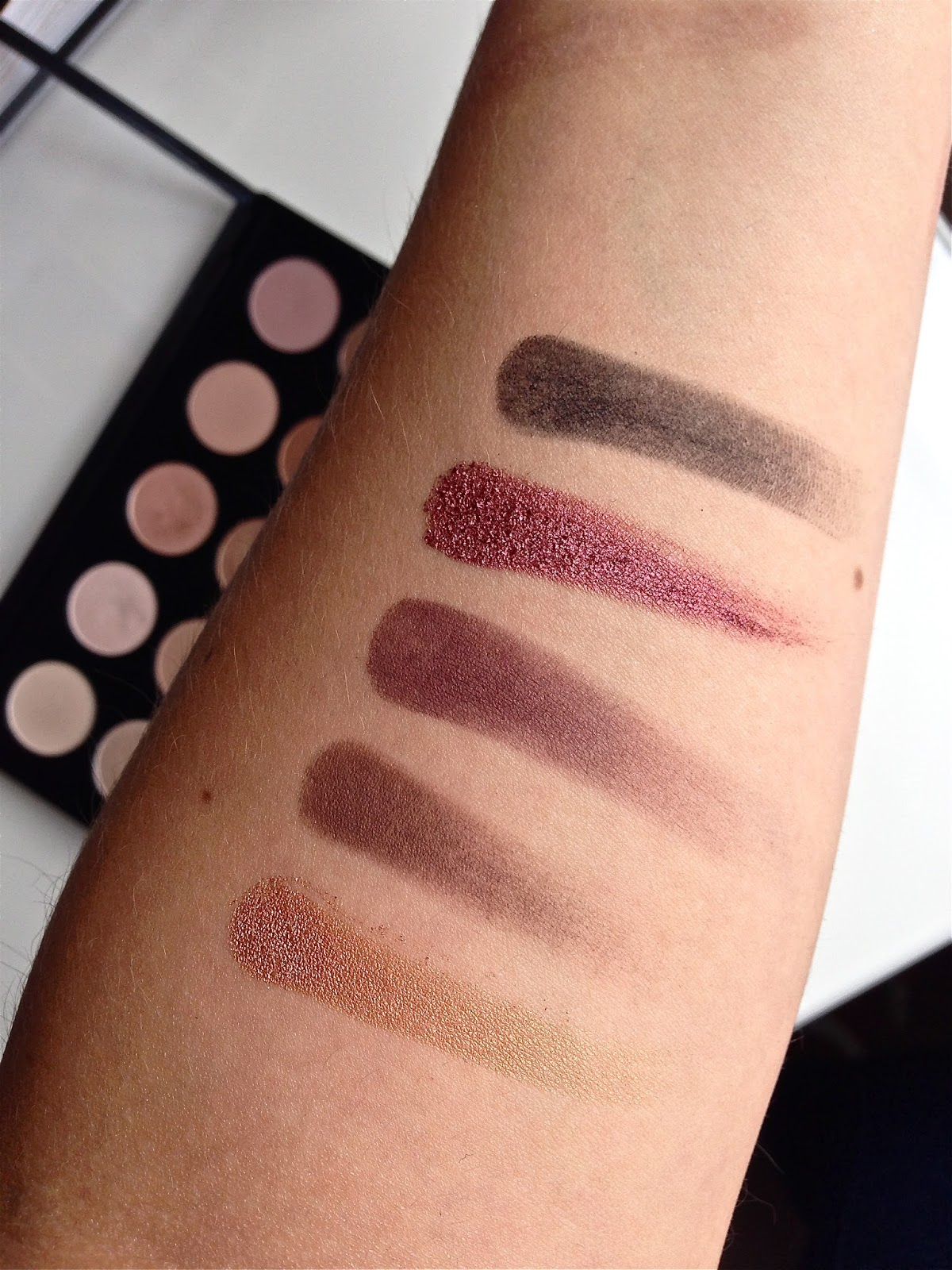 MAC Palette, AMBER LIGHTS, EMBARK, SKETCH, CRANBERRY, CARBON