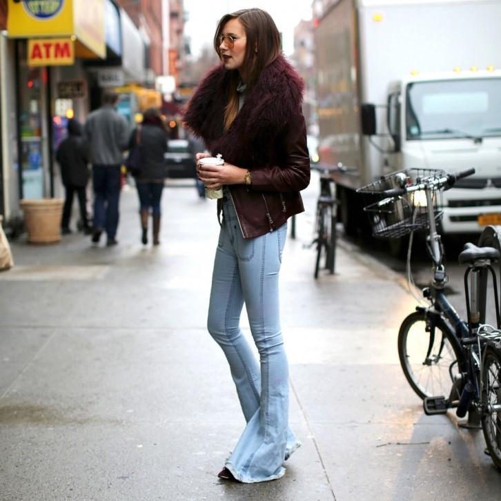 ways-to-wear-flares-trend-fall-winter-2014-2015-streetstyle-outfits-looks-flares-flared-jeans-pants-trousers-light-wash-70s